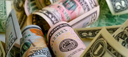 Доллар США вырос в цене по всему спектру рынка